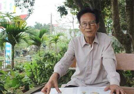 Giáo sư Trần Văn Mão trao đổi với PV Dân trí