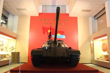 Xe tăng T54B - 843 được bảo dưỡng, duy tu rất cẩn thận tại bảo tàng.