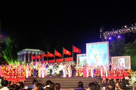 Nhiều tiết mục văn nghệ đặc sắc được biểu diễn tại điểm cầu Hà Nội