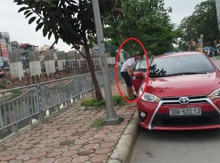 Thanh tra Sở GTVT Hà Nội sẽ xóa bỏ những điểm trông xe trái phép như này