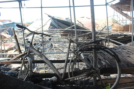 Xe đạp bị cháy hư hỏng nặng