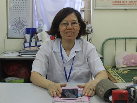 Bác sỹ Nguyễn Thị Kim Hoa trao đổi với PV Dân trí