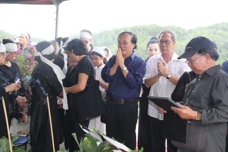 Đạo diễn Tất Bình thành kính tiếc thương NSND Đình Quang