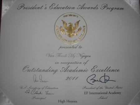 Chàng trai Việt được nhận bằng khen của Tổng thống Mỹ - 1