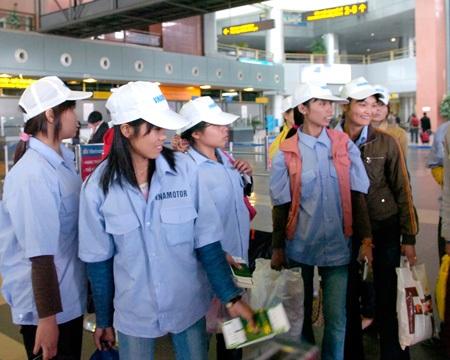 Cơ quan nào bảo vệ quyền lợi hợp pháp cho người xuất khẩu lao động?