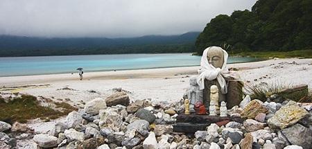 Con sông mang tên Sanzu No Kawa – nơi các linh hồn phải vượt qua để có thể sang bên kia thế giới