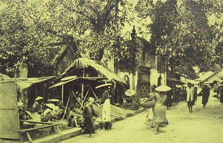 Những phiên chợ Bưởi xưa mang đậm bản sắc văn hoá của người Việt (ảnh minh hoạ)