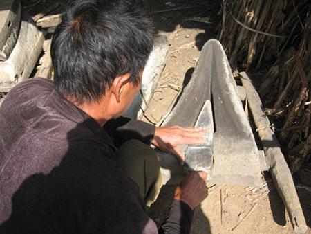 Những nghệ nhân rèn người Mông thường được sinh ra trong những gia đình có nghề rèn truyền thống