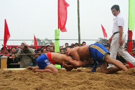 Đây là một môn thể thao đặc trưng, đầy hào hứng của người dân vùng cao vào dịp đầu xuân mới
