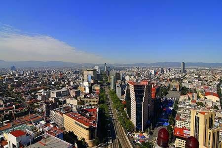 Đứng từ trên cao để ngắm nhìn toàn cảnh thành phố