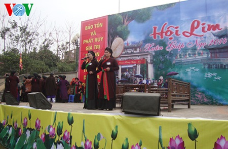 Các CLB biểu diễn hát quan họ tại hội Lim