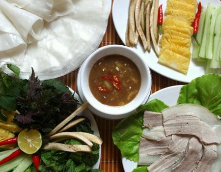 Món ăn dân dã này đã níu chân biết bao du khách quốc tế đến Việt Nam (ảnh minh hoạ: Internet)