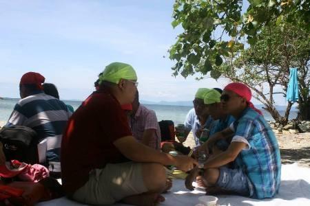 Ra đảo người ta có thể hóa thân làm những Rôbinsơn thực thụ