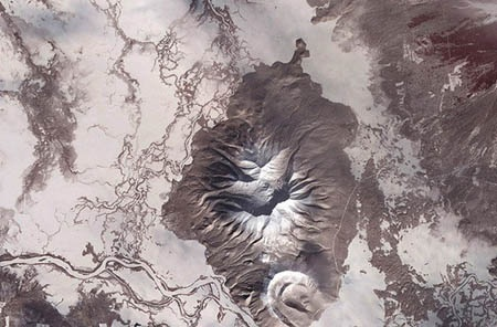 Bán đảo Kamchatka thuộc Liên Bang Nga.