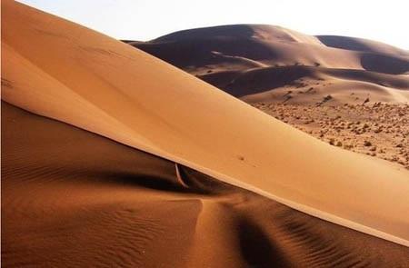 Sa mạc Desierto de Namib thuộc Cộng hòa Namibia.