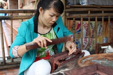 Khảm sơn mài Chuôn Ngọ… tham dự mang lại cho Hà Nội một bức tranh đa sắc màu