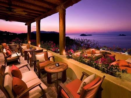 Khách sạn Amankila thuộc đảo Bali Indonesia