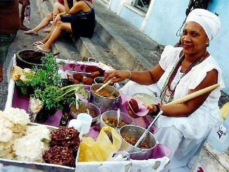 Một cửa hàng bán đồ ăn vỉa hè ở Brazil