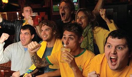 Người Brazil thường tụ tập thành đám đông và không uống bia một mình