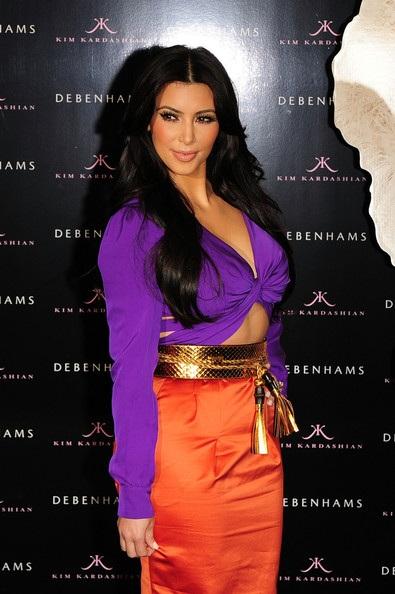 Kim Kardashian và người yêu hào hứng chuẩn bị đám cưới - 3