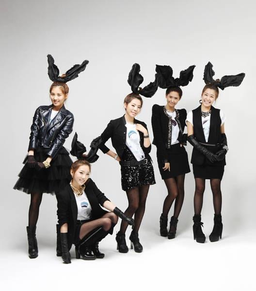 """Sao và thời trang """" tai thỏ"""" - 6"""
