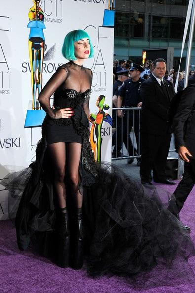Người đẹp dự lễ trao giải của Hiệp hội thời trang Mỹ - 1