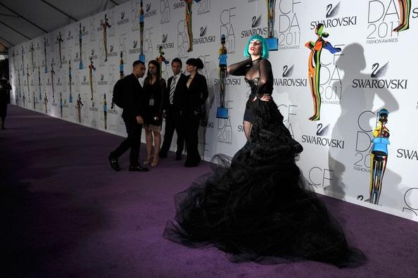 Người đẹp dự lễ trao giải của Hiệp hội thời trang Mỹ - 3