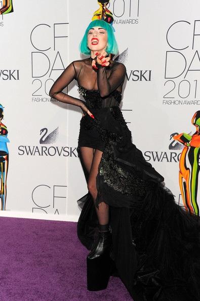 Người đẹp dự lễ trao giải của Hiệp hội thời trang Mỹ - 7