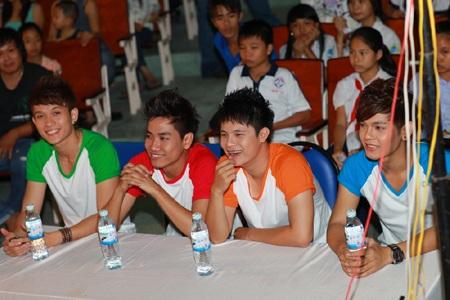 Hà Hồ - Quốc Cường vui trung thu cùng trẻ em  - 14