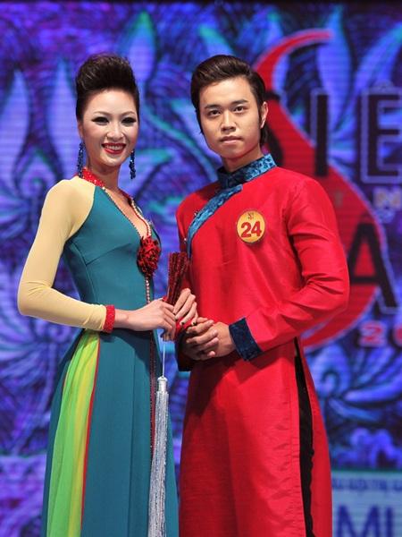 Toàn cảnh đêm chung kết Siêu mẫu Việt Nam 2011 - 5