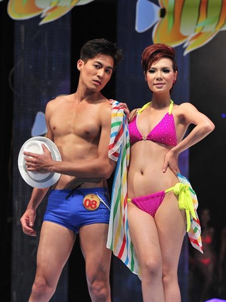 Toàn cảnh đêm chung kết Siêu mẫu Việt Nam 2011 - 16
