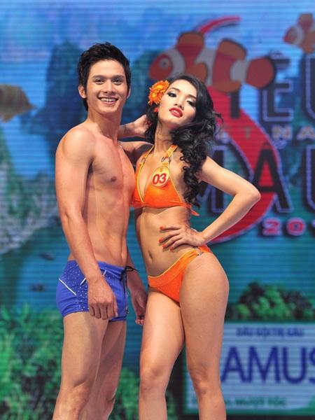 Toàn cảnh đêm chung kết Siêu mẫu Việt Nam 2011 - 19