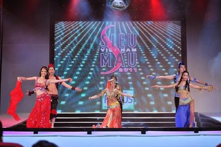 Toàn cảnh đêm chung kết Siêu mẫu Việt Nam 2011 - 21