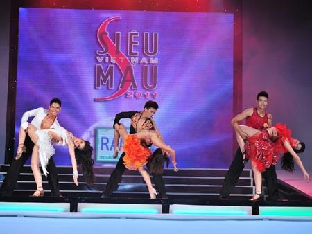 Toàn cảnh đêm chung kết Siêu mẫu Việt Nam 2011 - 23