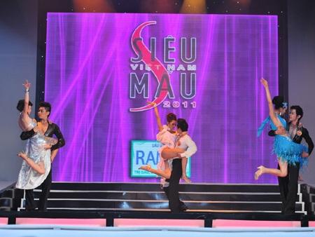Toàn cảnh đêm chung kết Siêu mẫu Việt Nam 2011 - 25