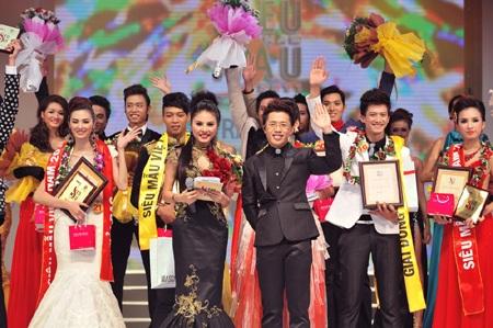 Toàn cảnh đêm chung kết Siêu mẫu Việt Nam 2011 - 33