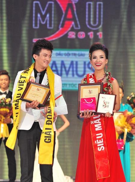 Toàn cảnh đêm chung kết Siêu mẫu Việt Nam 2011 - 32
