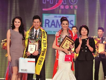 Toàn cảnh đêm chung kết Siêu mẫu Việt Nam 2011 - 31