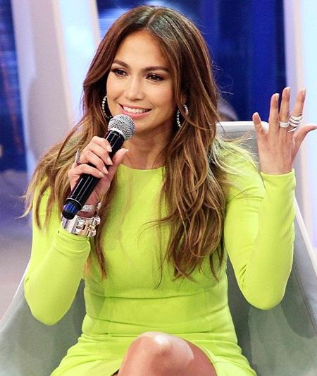Jennifer Lopez trẻ đẹp như đôi mươi
