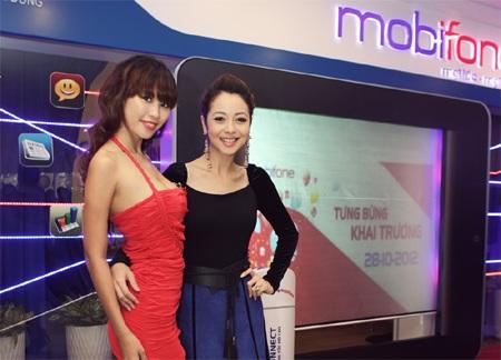 Hà Anh và Jennifer Phạm xuất hiện rạng rỡ cùng nhau