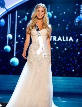 HH Úc diện váy dạ hội