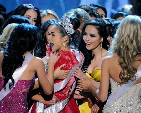 Diễm Hương không lọt Top 16 khiến nhiều fans của cô thất vọng.