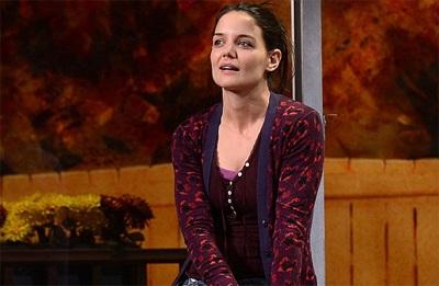 Katie Holmes trong vở kịch Dead Accounts