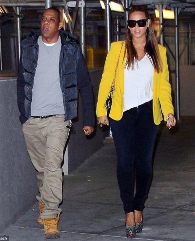Vợ chồng Beyonce hạnh phúc khi đi xem bóng rổ - 9