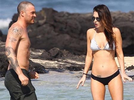 Megan Fox khoe dáng và... hình xăm tại Hawaii  - 4