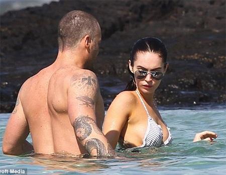 Megan Fox khoe dáng và... hình xăm tại Hawaii  - 5