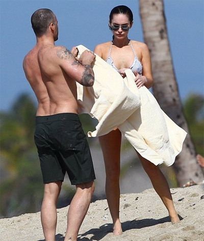 Megan Fox khoe dáng và... hình xăm tại Hawaii  - 14