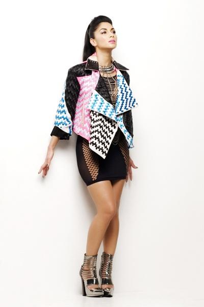 Nicole Scherzinger gợi cảm trong MV mới. Cô sẽ ra mắt album vào cuối năm 2013