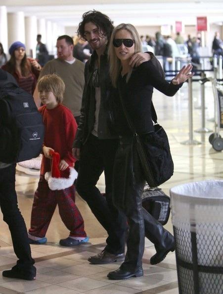 Martin Mica khá thân thiết với các con trai của bạn gái.
