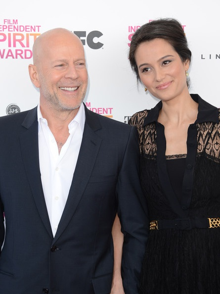 Bruce Willsvà vợ trẻEmma Heming